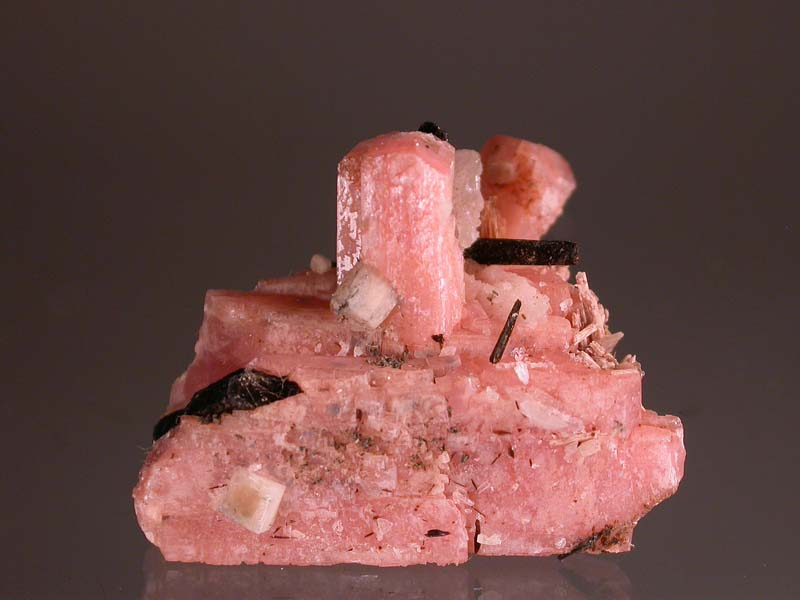 Serandite, Leucophanite